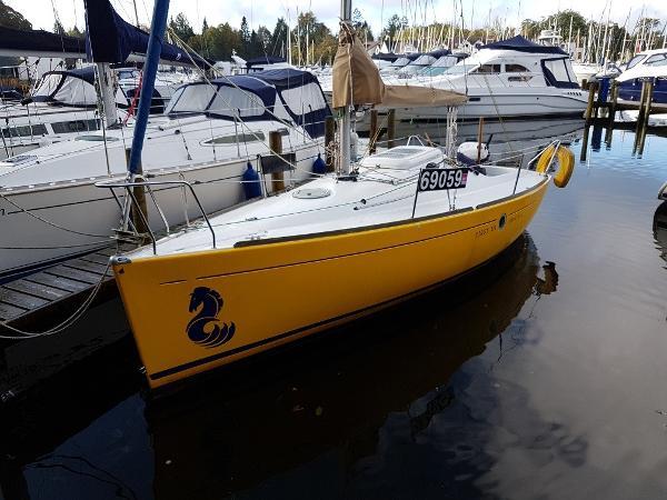 Beneteau First 211 Beneteau First 211 - Saffron