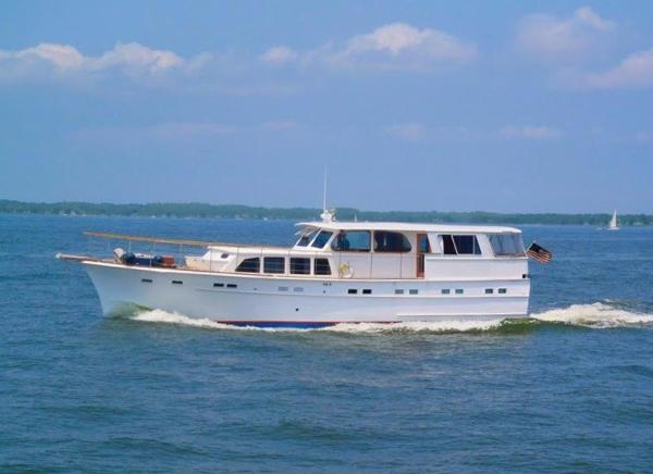 Quincy Adams Classic Motor Yacht Mimi underway