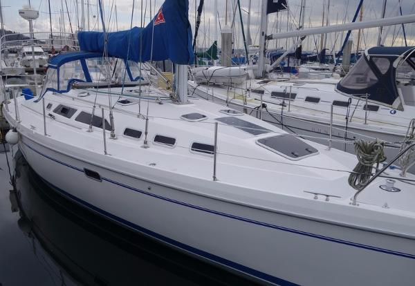 Catalina 380 Port Side