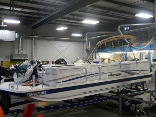 HURRICANE BOATS FunDeck 226 REF Outboard