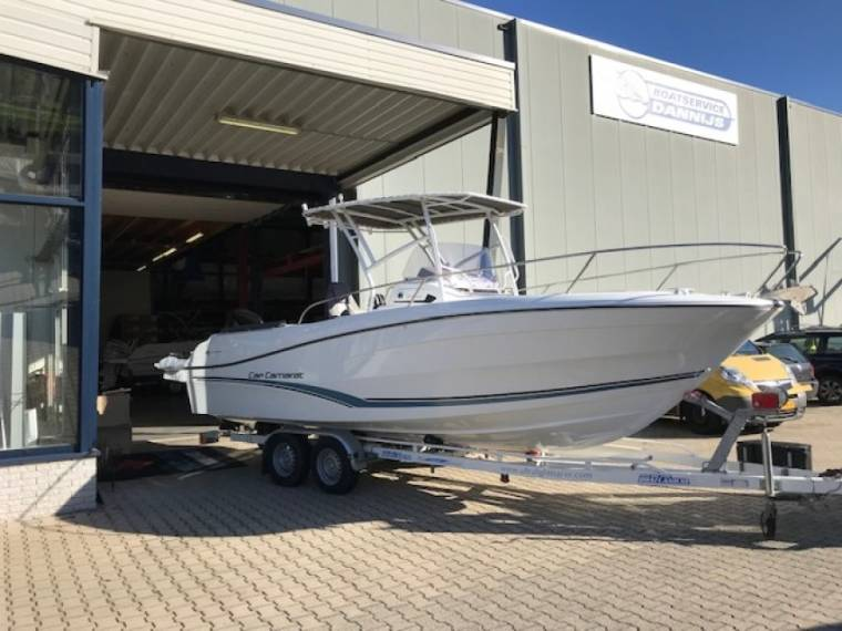 Jeanneau (new display boat) 7.5 Center Console