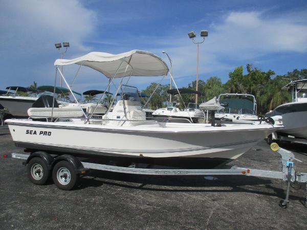 Sea Pro with Four Stroke Motor 190 Center Console