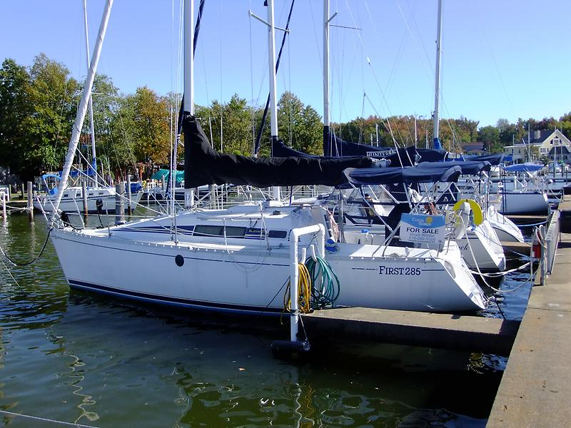Beneteau First 285 Beneteau 285 - Port Profile.jpg