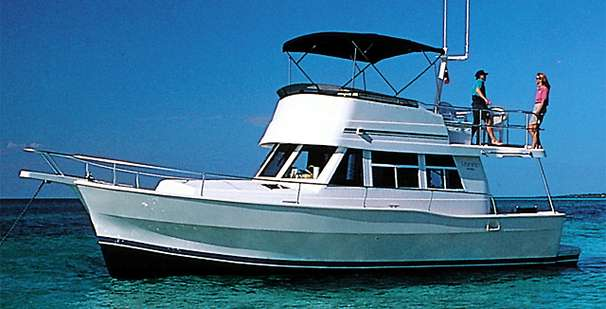 Mainship 390 Trawler Manufacturer Provided Image