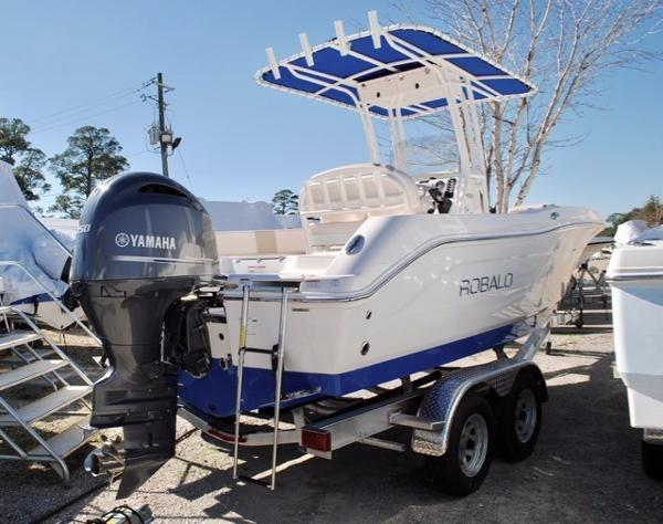 Robalo R200 Center Console Robalo-R200-Center-Console-Fishing-Boat-for-sale