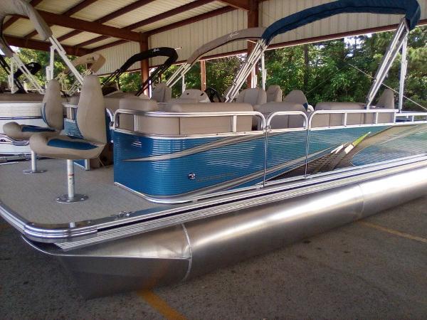 Avalon Venture Fish-N-Cruise 20'