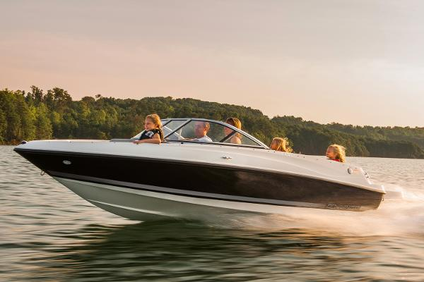 Bayliner 175 Bowrider Manufacturer Provided Image