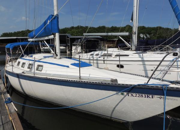 Lancer Yachts 36 Stb. Bow