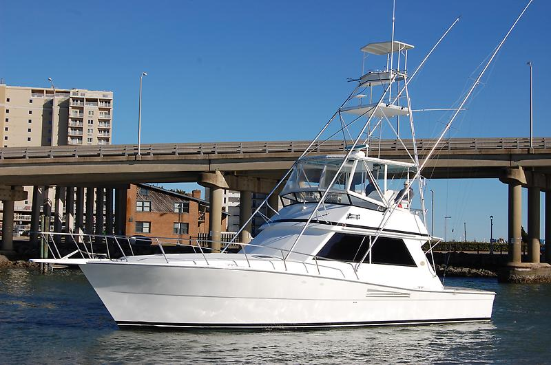 Viking 45 Convertible 45' Viking Convertible, port bow