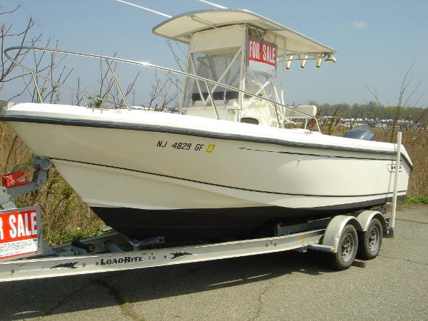 Boston Whaler 23 Outrage 23 Boston Whaler Outrage 1998
