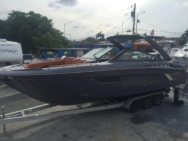 Cruisers Sport Series 338 Bow Rider