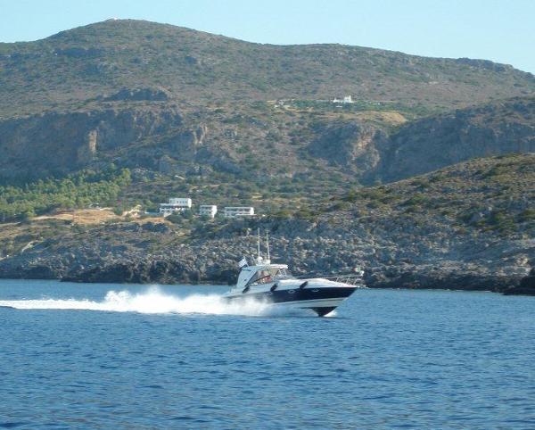 Monterey 375 Sport Yacht