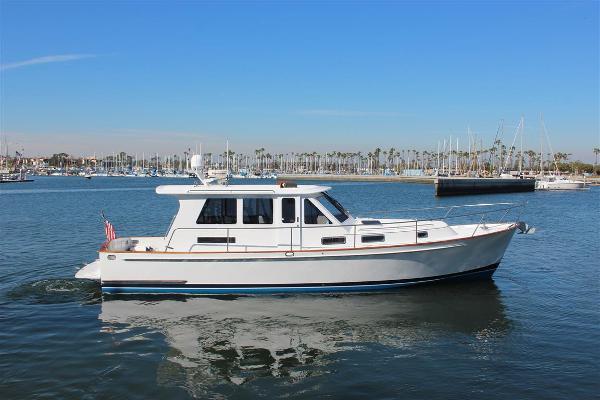 Legacy Yachts 42 Sedan Starboard Profile