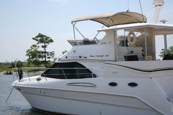 Sea Ray Aft Cabin Motor Yacht Photo 1