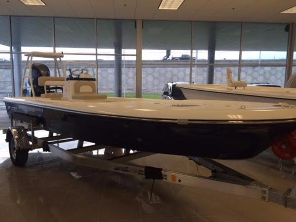 Spyder Boats FX19-Vapor