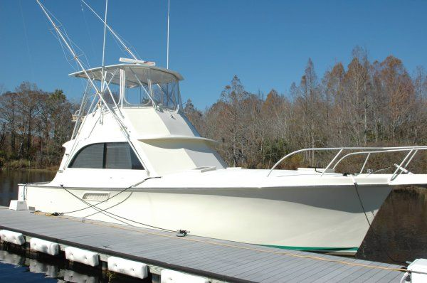 Hatteras Custom  Convertible Photo 1