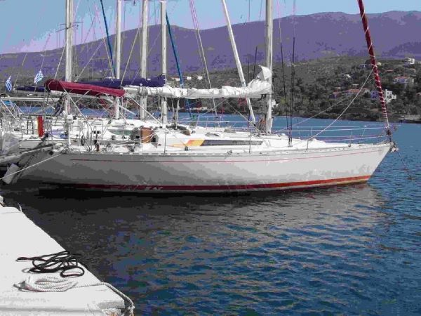 Beneteau First 42 Beneteau First 42 - Sailing Boat