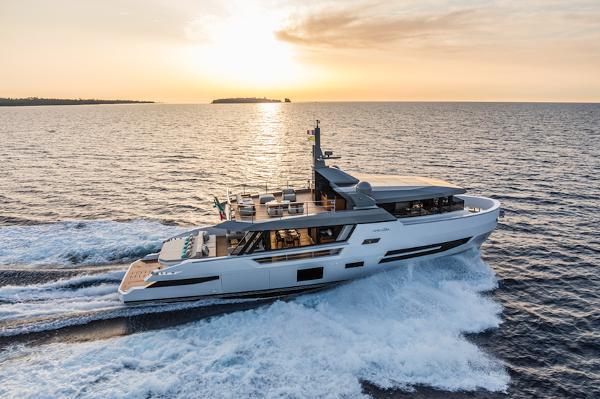 Arcadia Yachts Sherpa 80 XL