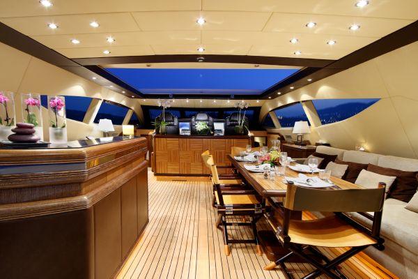 Mangusta 105 - upper deck
