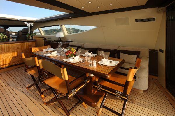 Mangusta 105 - upper deck 3