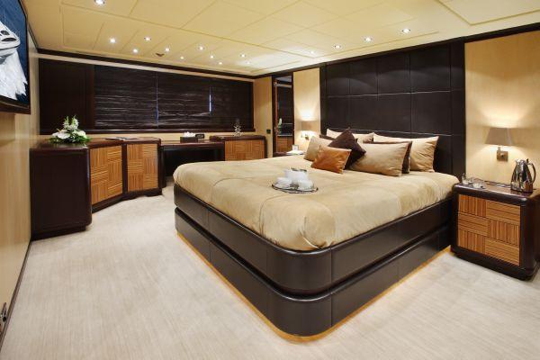 Mangusta 105 - master cabin 1