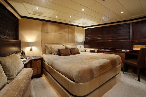 Mangusta 105 - guest cabin