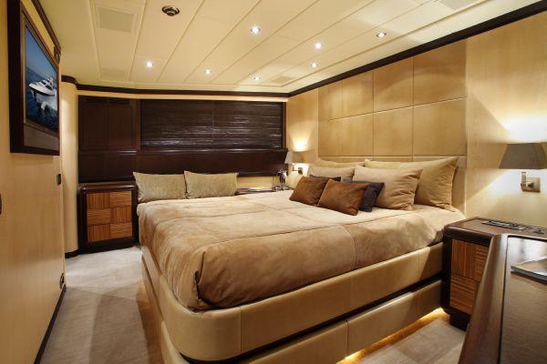 Mangusta 105 - guest cabin 1