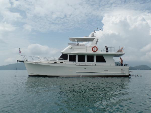 Clipper Motor Yachts 48