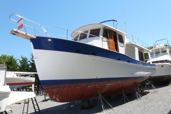 Kadey Krogen Pilothouse Trawler