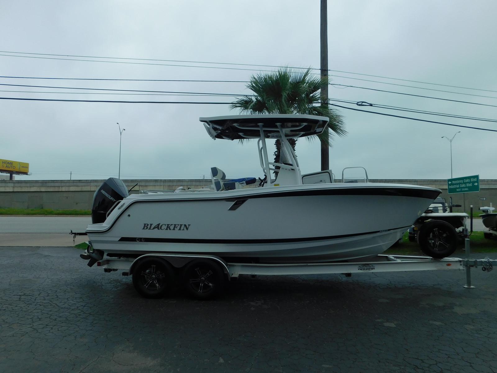 Blackfin 212 CC