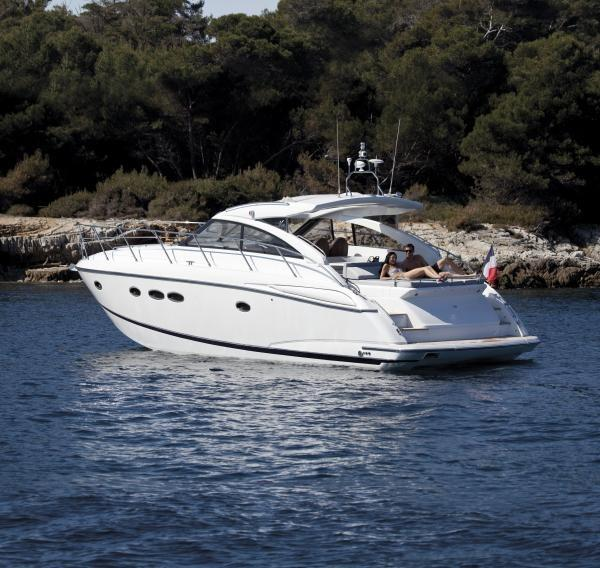 Princess V45 Manufacturer Provided Image: Princess V45 Stern