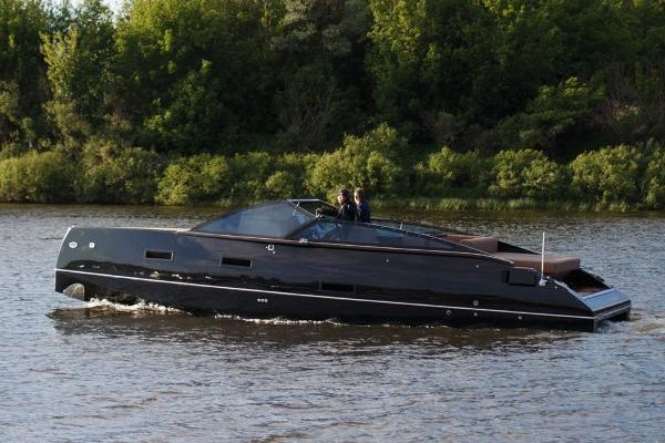 Custom Line Velvette 33 Cruiser