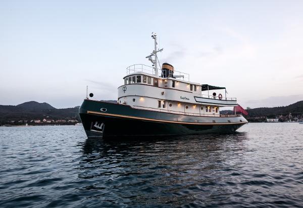 Tugboat Classic Yacht
