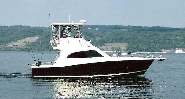 Luhrs 40 Convertible Beautiful Side View
