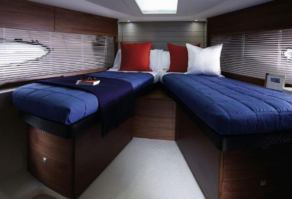 Princess V48 Twin Cabin