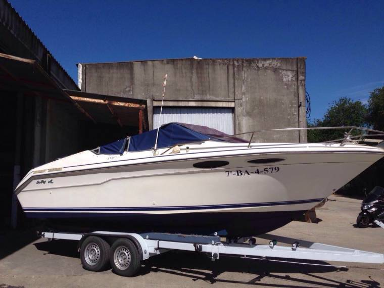 Sea Ray Sea Ray 220 Overnighter