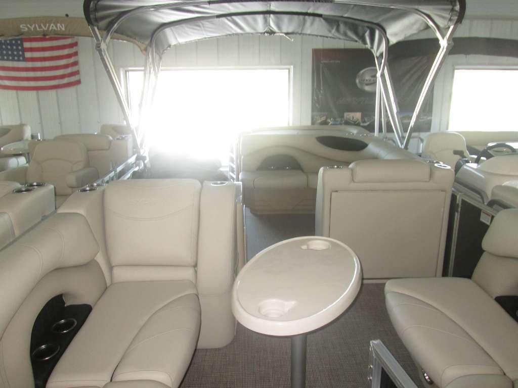 Sylvan Mirage Cruise 820 Cruise