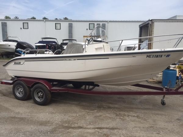 Boston Whaler Dauntless 18