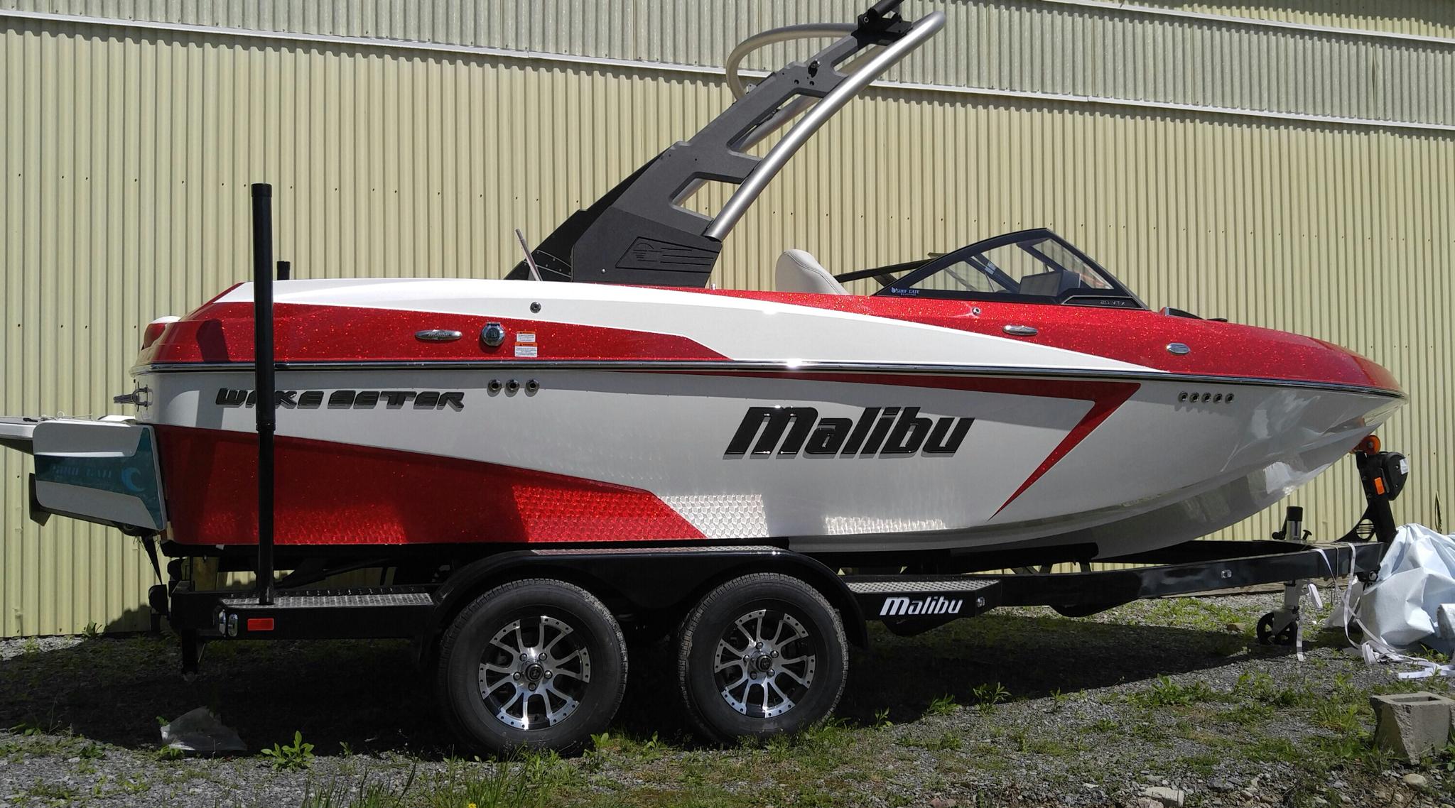 Malibu Boats LLC Wakesetter 20 VTX