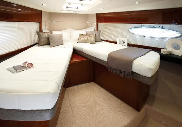 Princess V52 Forward Double Cabin