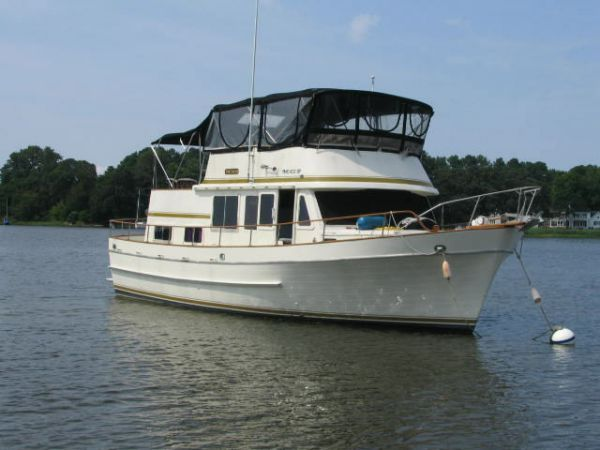 Marine Trader Double Cabin Photo 1