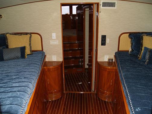 Main Cabin Forward
