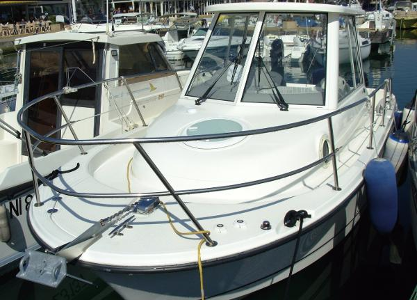 Bayliner 2502 Trophy Walkaround Bayliner 2502 trophy Walkaround
