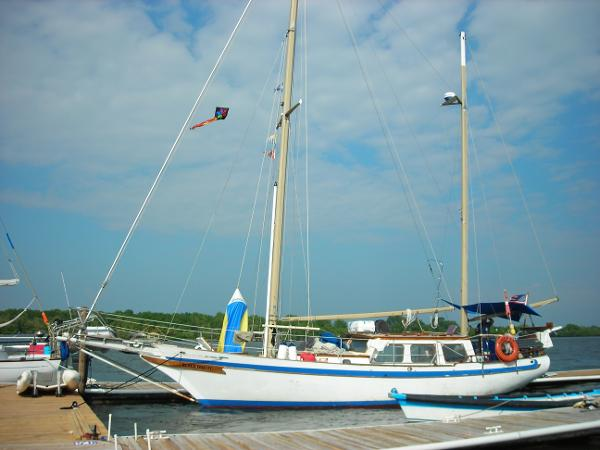 Ta Chaio Ta Chaio Ct 41 At dock