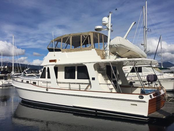 Grand Banks 47 Heritage Europa port profile