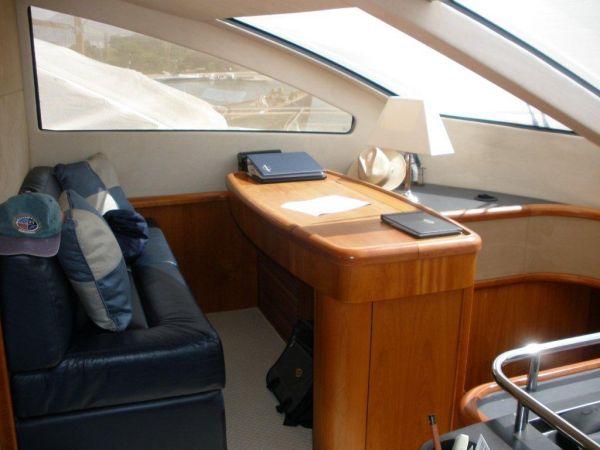 Helm Crew Seat