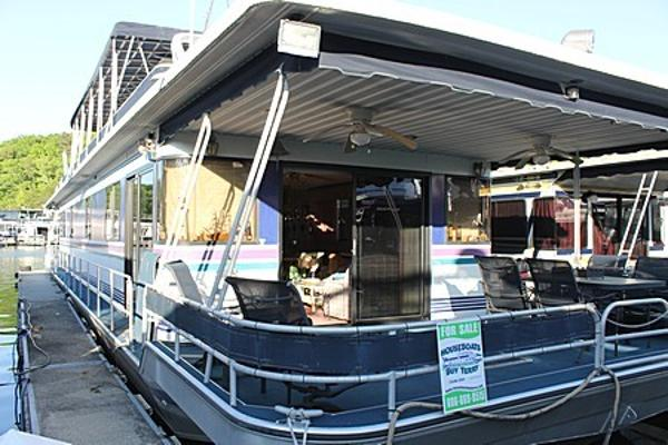 Sumerset Houseboats 18' x 78' w/Catwalks
