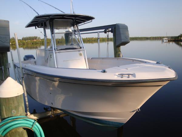Grady-White Chase 273 2003 Grady-White 273 Chase Center Console
