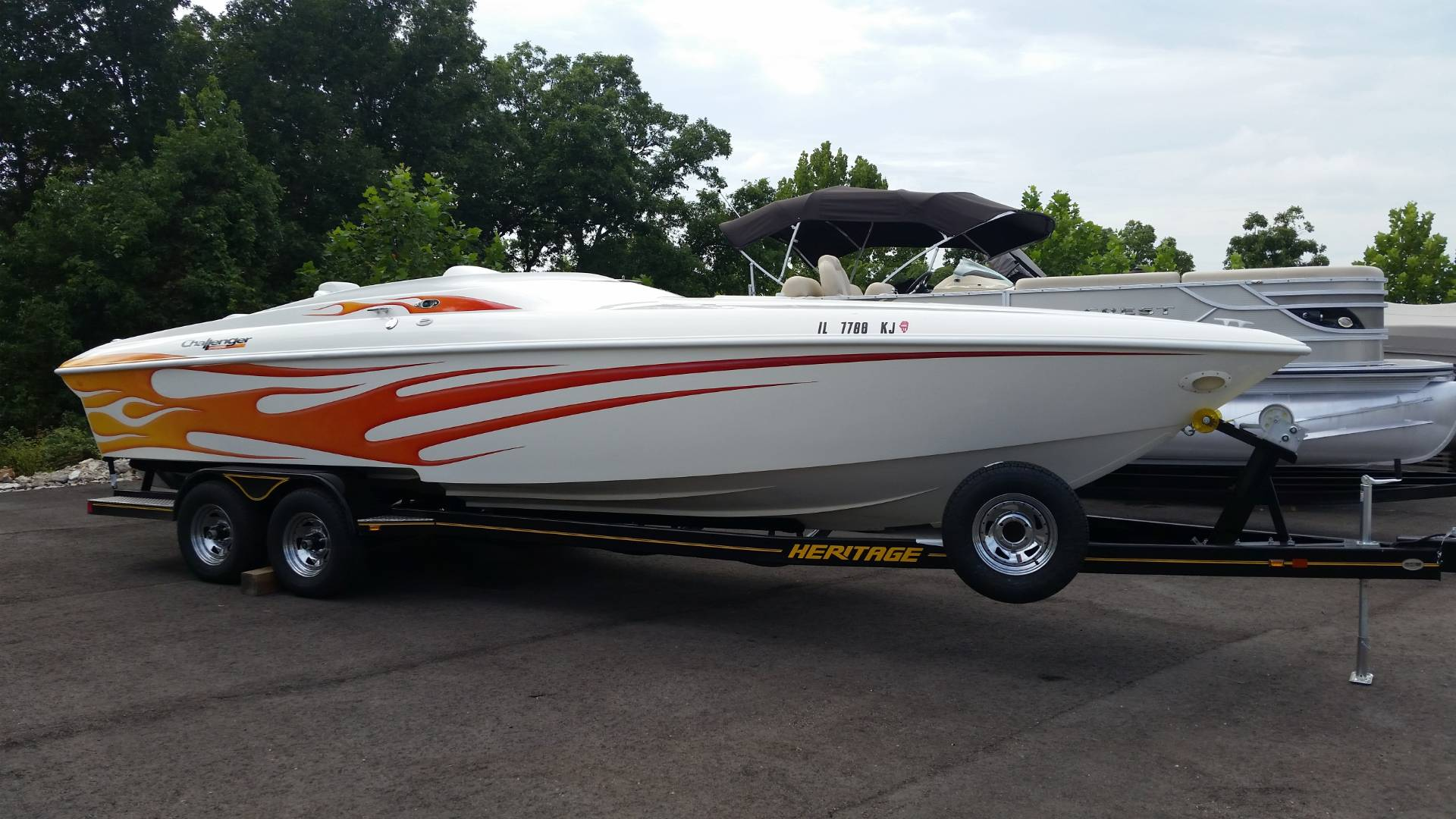 Challenger Boats DDC 28
