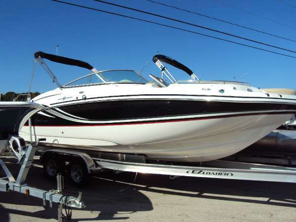 HURRICANE BOATS SD 2400 OB